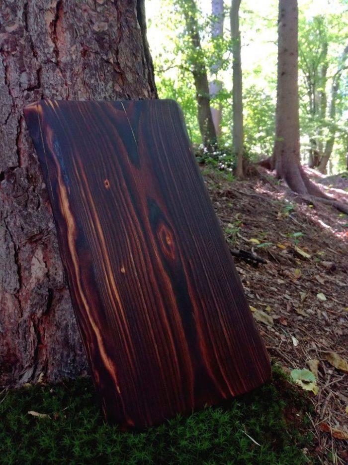 Dřevěné prkénko opálené